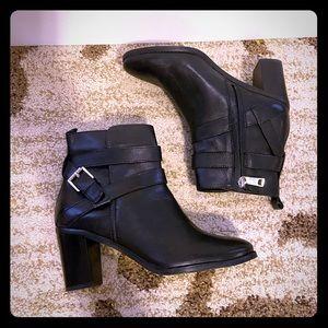 EUC Ralph Lauren Cassy Black Ankle Boots